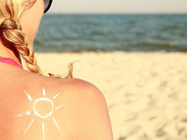 Vitamine-D tekort door te veel zonnebrandcrème