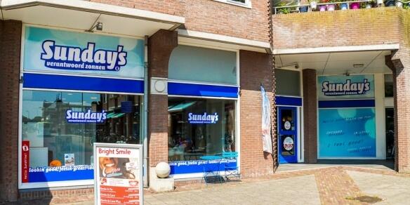 De entree van zonnestudio Sunday's in Hoorn