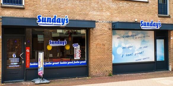 De entree van zonnestudio Sunday's in Oss