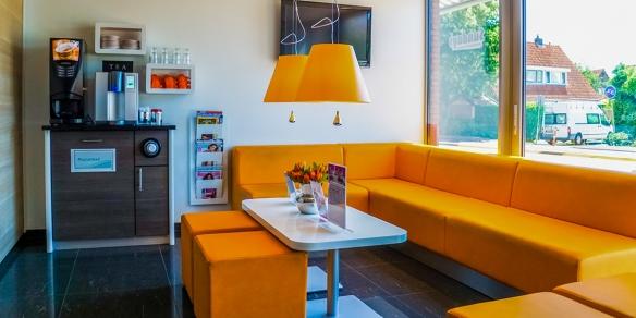 Kom na het zonnen tot rust in de koffiecorner van Sundays Spijkenisse