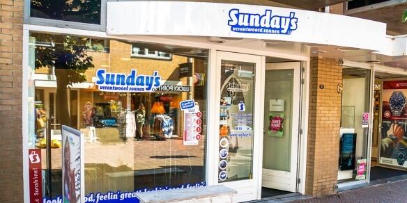 De entree van zonnestudio Sunday's in Noordwijk
