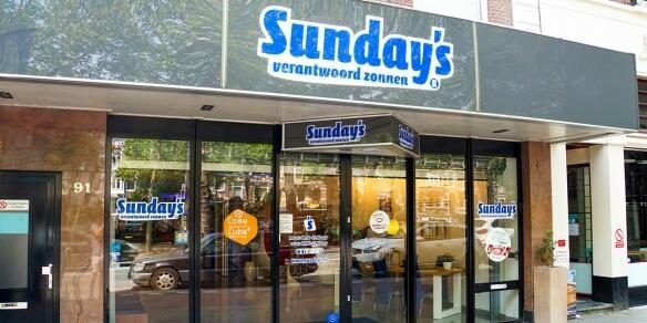 De entree van zonnestudio Sunday's op de Stadhouderskade in Amsterdam