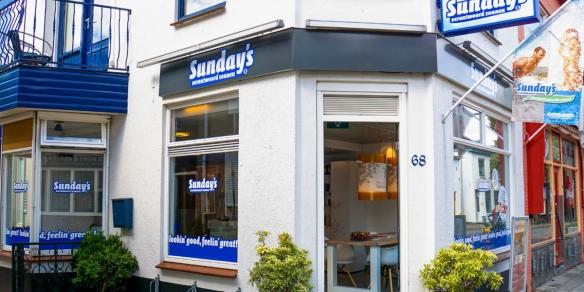 De entree van Sunday's Katwijk