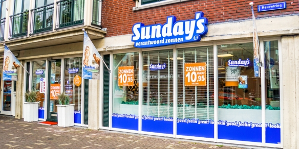 De entree van zonnestudio Sunday's Tilburg