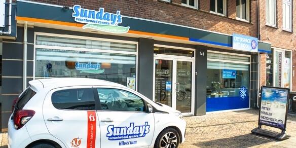 De entree van zonnestudio Sunday's Hilversum
