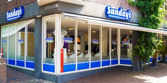 De entree van zonnestudio Sunday's in Leeuwarden