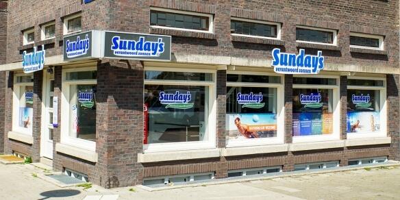 De entree van zonnestudio Sunday's aan de Vrijheidslaan in Amsterdam