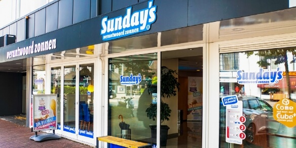 De entree van zonnestudio Sunday's in Bussum